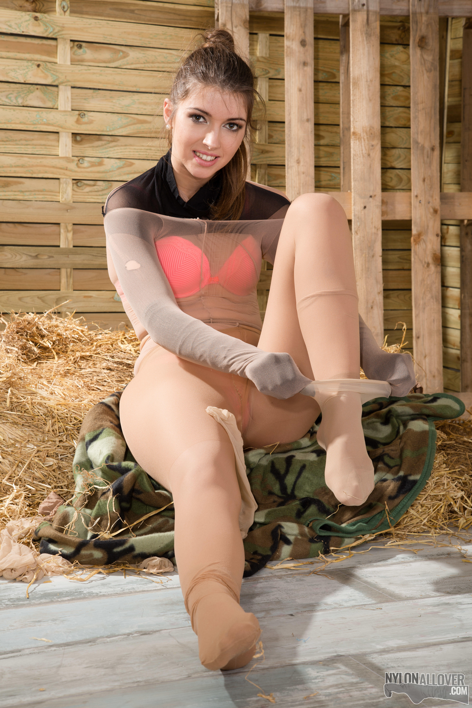 7 layer pantyhose encasement 7