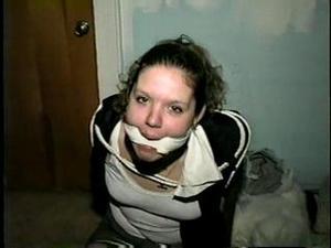 Nongrid_medium_18-yr-old-single-mom-grabbed-held-hostage-d16-1