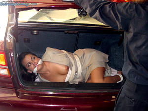 Nongrid_medium_car-trunk-bondage-renee-perez