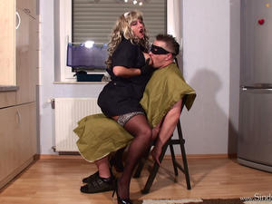 Nongrid_medium_miss-hairdresser-part2-erotic-male-massage
