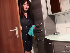house cleaner handjob gloves