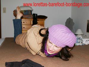 Nongrid_medium_loretta-in-bondage