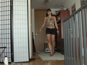 Nongrid_medium_dani-massages-her-feet-with-lotion-31