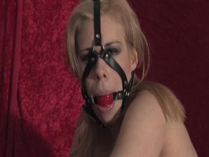 Nongrid_medium_donna-handcuffed-and-exposed-video