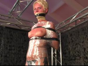Nongrid_medium_public-mummification-for-lena-king
