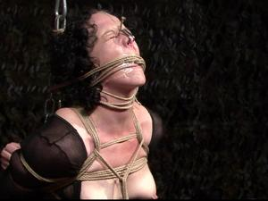 Nongrid_medium_extreme-bondage-made-in-switzerland