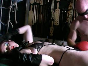 Nongrid_medium_mistress-vivienne-lamour-worship-my-body-wmv-film