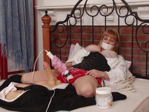 Nongrid_medium_gagged-orgasm-between-scenes-lorelei-uses-vibrator-during-her-break