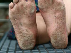Nongrid_medium_olga-barefoot-part-2