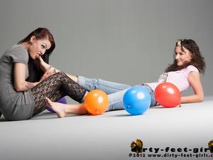 Nongrid_medium_foot-play