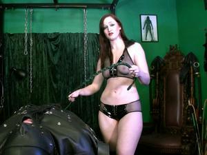 Nongrid_medium_mistress-vivienne-bondage-whips-and-chains-hd-wmv