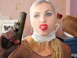 Nongrid_medium_stocking-mask-hold-up-with-vera-270-images