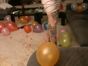 Nongrid_medium_mistress-jezabel-at-villa-domina-birthday-balloon-popping-hd-wmv