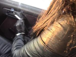 Nongrid_medium_smoking-cigarettes-in-the-car