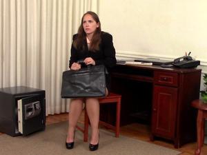 Nongrid_medium_rental-office-robbery-rachel-adams-stripped-naked-encore