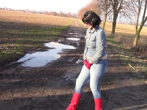 Nongrid_medium_piss-in-tight-jeans-jeans-jacket-and-red-wellies