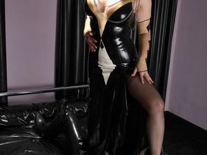 Nongrid_medium_pleasure-for-my-foot-slave-part1