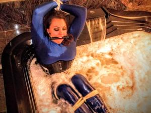 Nongrid_medium_bettie-banshee-bondage-bubble-bath