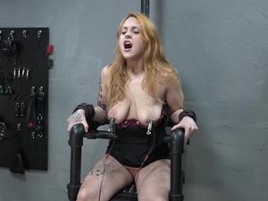 Nongrid_medium_electric-chair-under-power-5