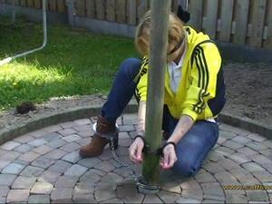 Nongrid_medium_blach-handcuffs-and-a-yellow-hoodie