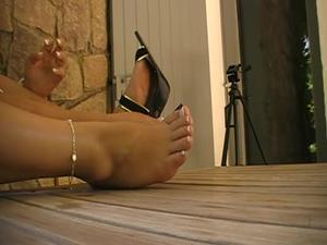 Nongrid_medium_foot-fetish-1