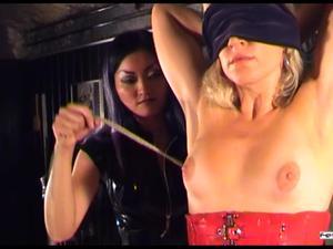 Nongrid_medium_tortured-in-ropes