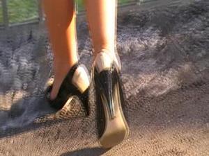 Nongrid_medium_peep-toe-high-heels