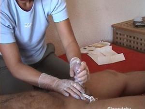 Nongrid_medium_gloved-milking-special-43